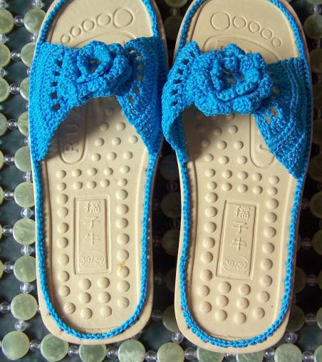 超详细钩针毛线拖鞋教程,钩一双属于自己的毛线鞋子~温暖你的双脚吧!